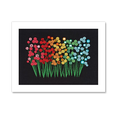 GRAPHIC EMBROIDERED FLOWERS